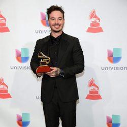 J Balvin en los Grammy Latinos 2015