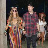 Paris Hilton y Chris Zylka en el Coachella 2017
