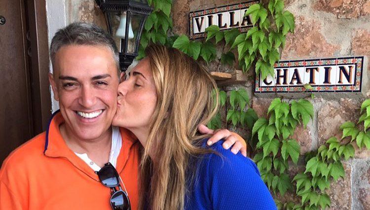 Carlota Corredera visita a las hijas de Kiko Hernández