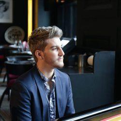 Aldo Palmieri al piano