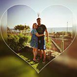 Belén Esteban con su novio Miguel posando durante sus vacaciones de Semana Santa en Tenerife