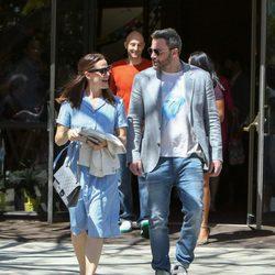 Ben Affleck paseando por Los Ángeles con Jennifer Garner