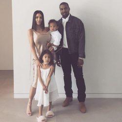 La familia West-Kardashian disfrutan de la Pascua