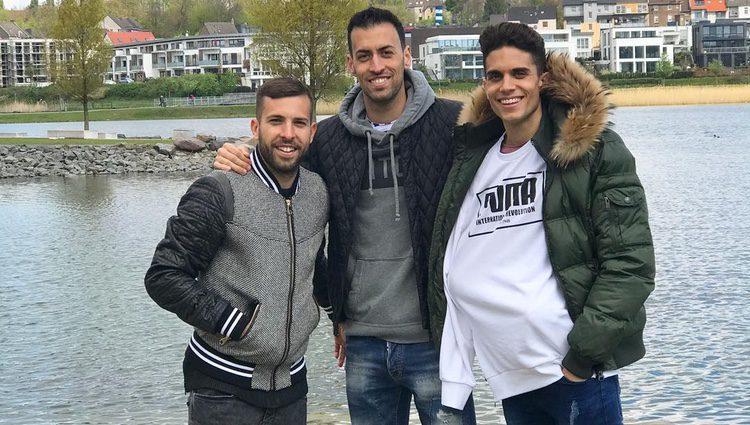 Jordi Alba, Sergio Busquets y Marc Bartra en Dortmund