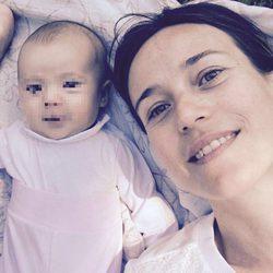 Marta Etura y su primera foto con su hija Chloe