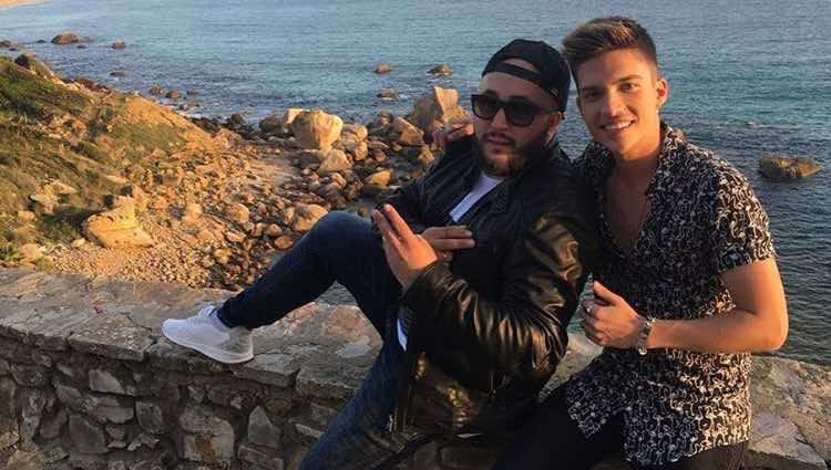 Kiko Rivera y Borja Rubio durante la grabación del videoclip de 'Cuéntale'