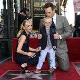 Chris Pratt recibe su estrella en el Paseo de la Fama junto a Anna Faris y su hijo