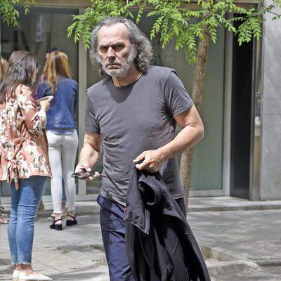 José Coronado haciendo gestiones días después de sufrir un infarto de miocardio