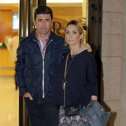 Cristina Sánchez y Alejandro Da Silva en la capilla ardiente de Palomo Linares