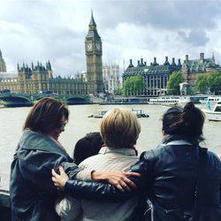 Gema López junto a su madre, su hija y su hermana en Londres