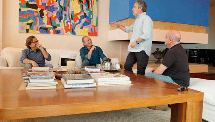 Pepe Navarro acompañado de Flo, Carlos Iglesias y Santiago Urrialde