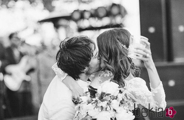 Nikki Reed celebra su segundo aniversario de boda con Ian Somerhalder