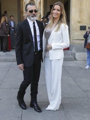 Antonio Banderas acompañado por Nicole Kimpel en la entrega del galardón Camino Real