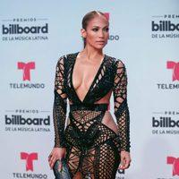 Jennifer Lopez en la alfombra roja de los Billboard Latinos 2017