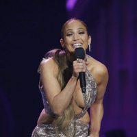 Jennifer Lopez en el escenario de los Billboard Latinos 2017