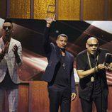 El dúo Gente de Zona en el escenario de los Billboard Latinos 2017