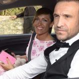 Luján Argüelles y su marido en la boda de Fonsi Nieto y Marta Castro en Ibiza