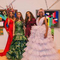 Beyoncé, su madre, su hermana y Kelly Rowland en la inauguración de una exposición