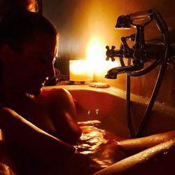 Nagore Robles junto a Sandra Barneda en un spa