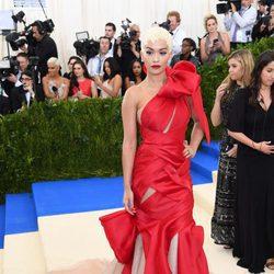 Rita Ora en la Gala MET 2017