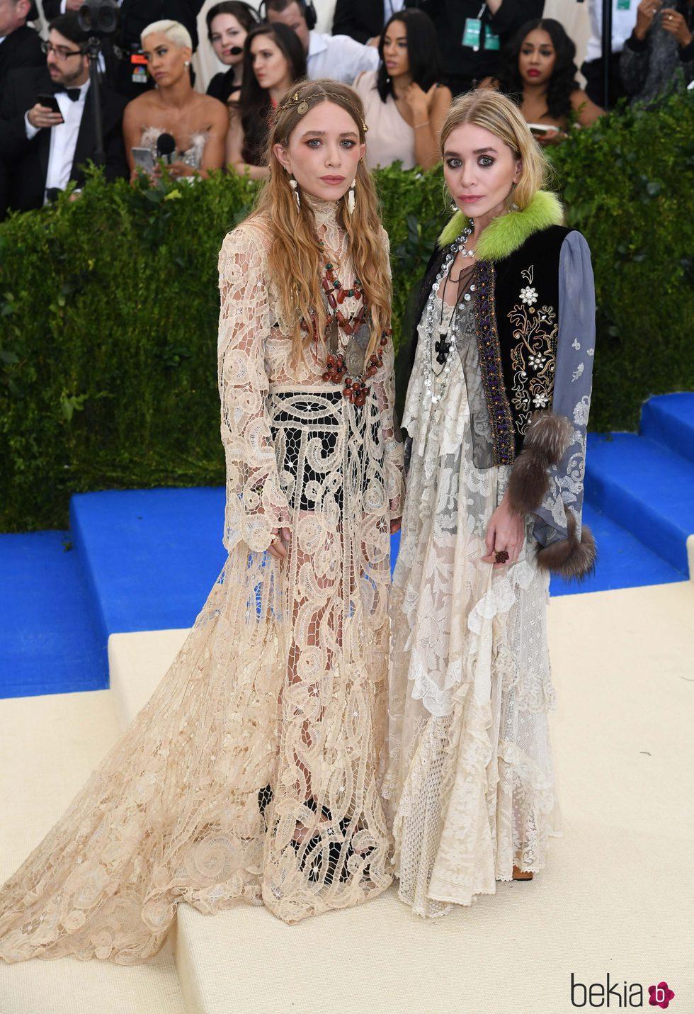 Mary-Kate y Ashley Olsen en la Gala MET 2017