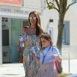 Paula Echevarría lleva a su hija Daniella a catequesis