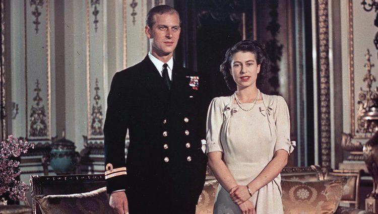 La Reina Isabel y el Duque de Edimburgo en su pedida de mano