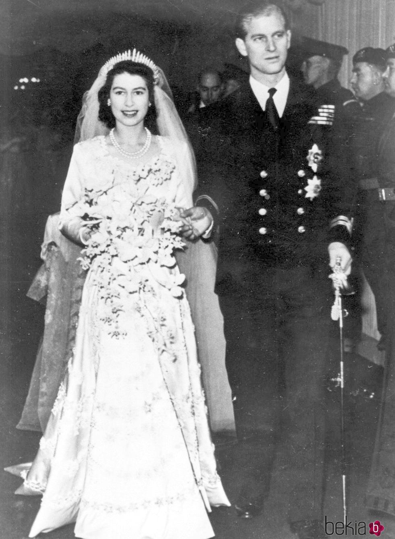 La Reina Isabel y el Duque de Edimburgo en su boda