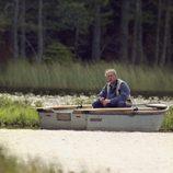 El Duque de Edimburgo pescando