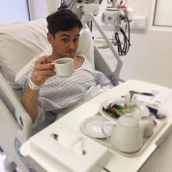 Tom Daley en el hospital a dos días de su boda
