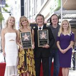 Kate Hudson, Quentin Tarantino y Reese Witherspoon acompañan a Goldie Hawn y Kurt Russell
