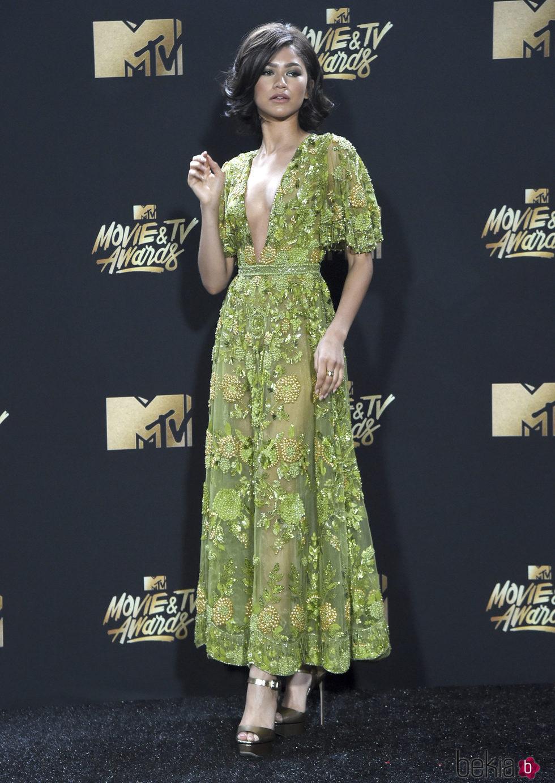 Zendaya en la alfombra roja de los MTV Movie Awards 2017