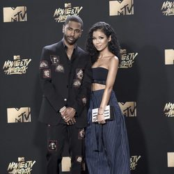 Big Sean y Jhene Aiko en la alfombra roja de los MTV Movie Awards 2017