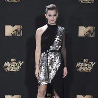 Emma Watson en la alfombra roja de los MTV Movie Awards 2017