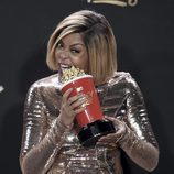 Taraji P. Henson con el premio a Mejor Héroe en los MTV Movie Awards 2017
