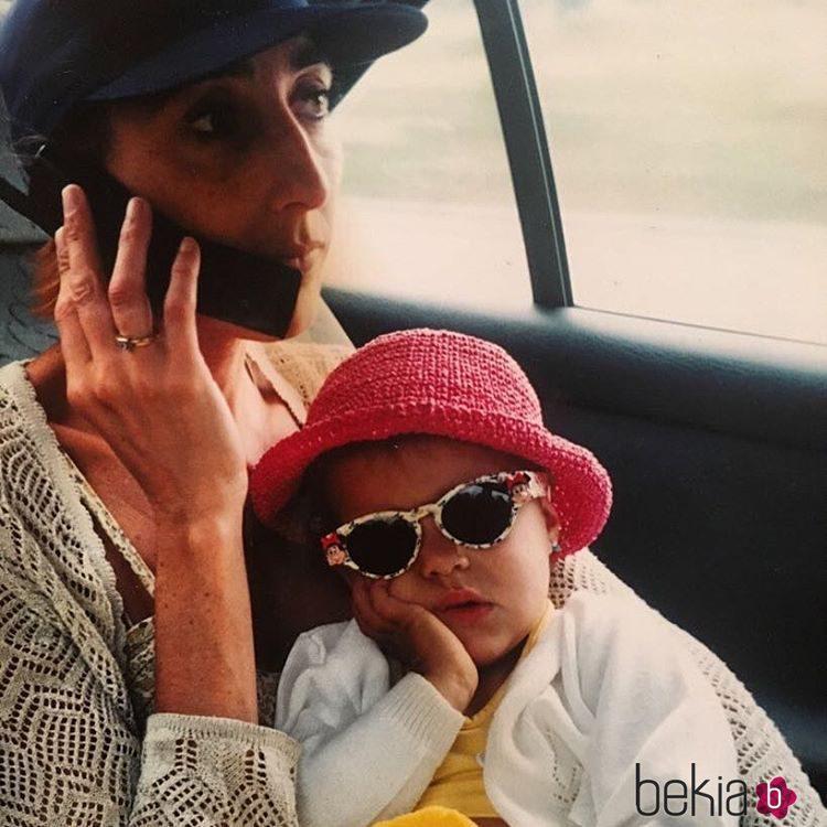Paz Padilla con su hija Ana cuando era un bebé