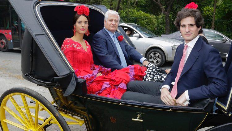 Carlos Fitz-James Stuart, Sofía Palazuelo y Fernando Fitz-James Stuart en la Feria de Abril 2017