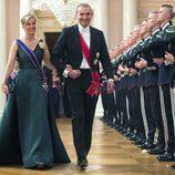 La Condesa de Wessex en el 80 cumpleaños de Harald y Sonia de Noruega