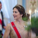 Mary de Dinamarca en una cena de gala por el 80 cumpleaños de los Reyes de Noruega