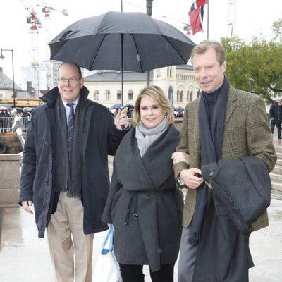 Alberto de Mónaco y los Grandes Duques de Luxemburgo en el 80 cumpleaños de Harald y Sonia de Noruega