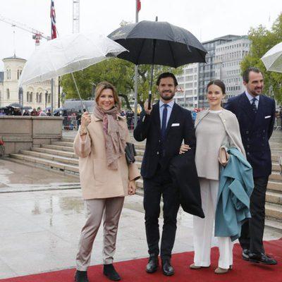 Los Príncipes de Suecia y de Grecia y la Princesa Marta Luisa de Noruega en el 80 cumpleaños de Harald y Sonia de Noruega