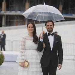 Carlos Felipe de Suecia y Sofia Hellqvist en la cena en honor a los Reyes de Noruega por su 80 cumpleaños