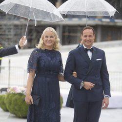 Haakon y Mette Marit de Noruega en la cena en honor a los Reyes de Noruega por su 80 cumpleaños