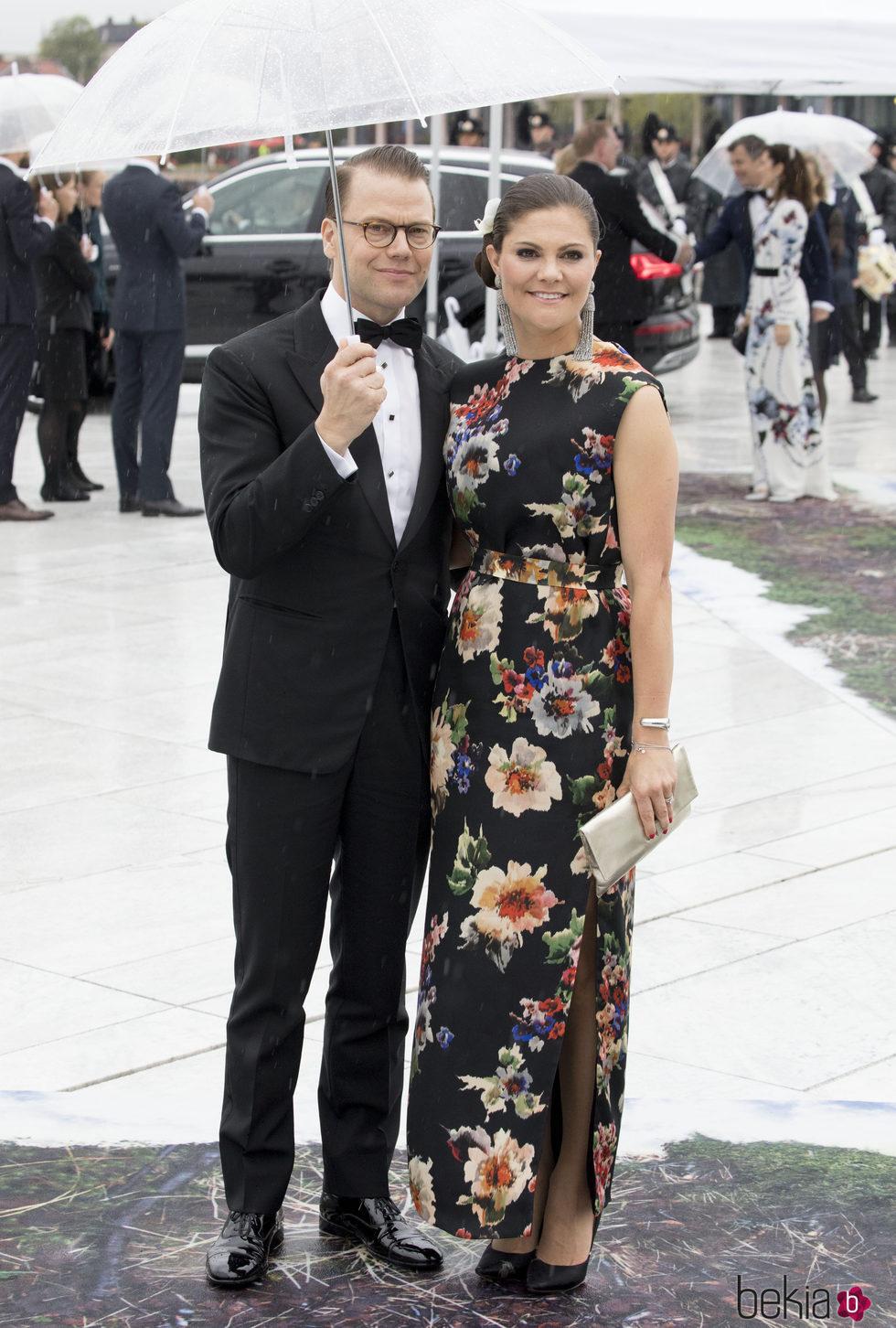Victoria y Daniel de Suecia en la cena en honor a los Reyes de Noruega por su 80 cumpleaños