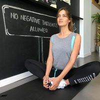 Sara Carbonero practicando yoga