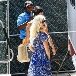 Penélope Cruz luciendo la peluca rubia convertida en Donatella Versace para 'American Crime Story'