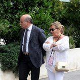 Carmen Borrego y José Carlos Bernal llegando al hospital tras el ingreso de María Teresa Campos