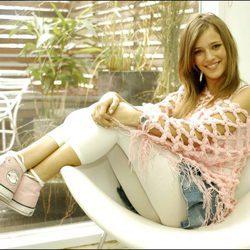 Luisana Lopilato en una sesión de fotos sobre el gupo musical ErreWay