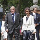 Los Reyes Juan Carlos y Sofía en la Comunión de la Infanta Sofía