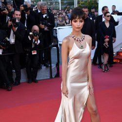 Emily Ratajkowski en la gala inaugural del Festival de Cannes 2017